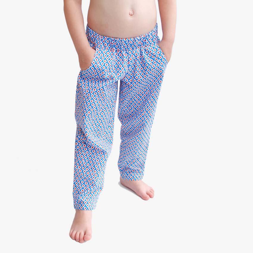 Mädchen Sommerhose, lang aus Baumwolle mit Taschen und Muster in blau-weiß-orange