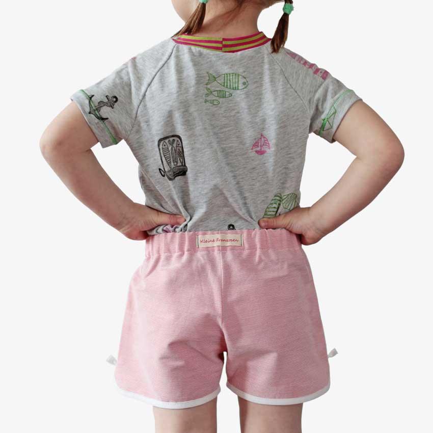 Rückansicht von Kinder Retro Shorts in rot-weiß-gestreift